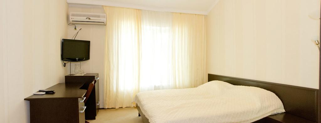 Классический номер в гостиничном комплексе Альянс
