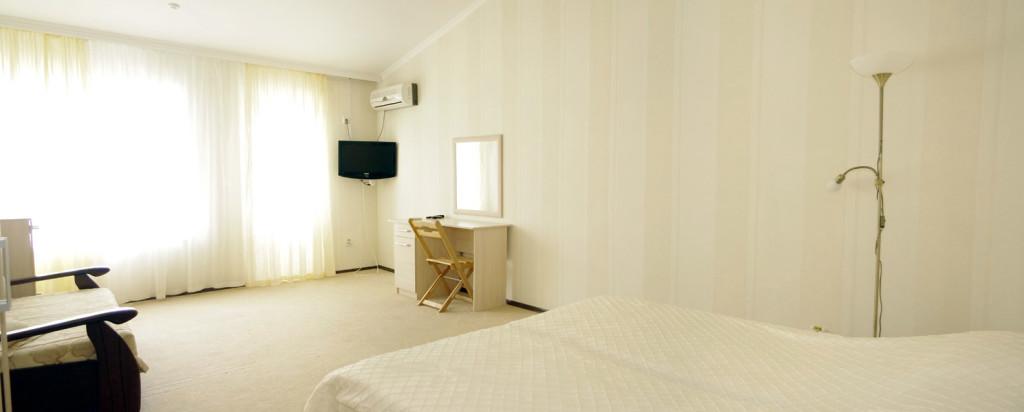 Улучшенный номер в гостиничном комплексе Альянс
